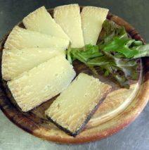 Tagliere di formaggio pecorino